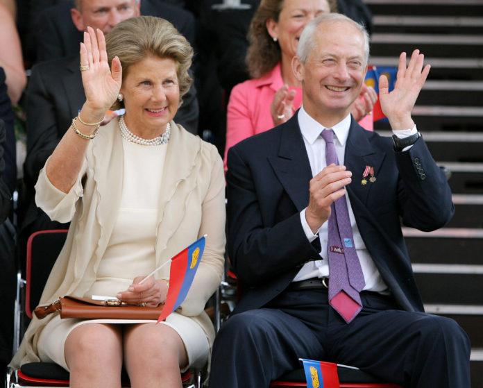 Printul Hans Adams II si Contesa Countess Marie Kinsky von Wchinitz und Tettau. de Liechtenstein