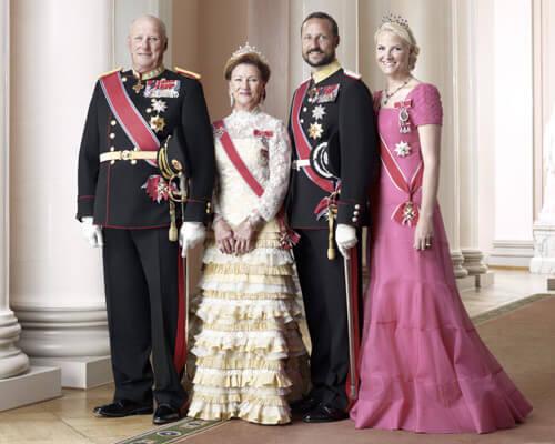 Regele Harald V, Regina Sonja, Printul Mostenitor Haakon si Printesa Mette-Marit ai Norvegiei