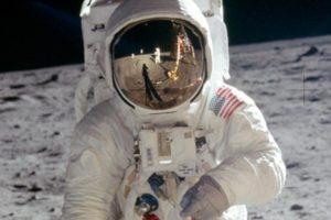 Mituri despre aselenizare, primii oameni in spatiu si calatorii spatiale