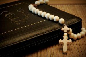 Cate biblii exista si de ce este fiecare diferita?
