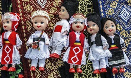Cele mai ciudate obiceiuri romanesti: datini stramosesti deocheate cu fete goale si ritualuri bizare