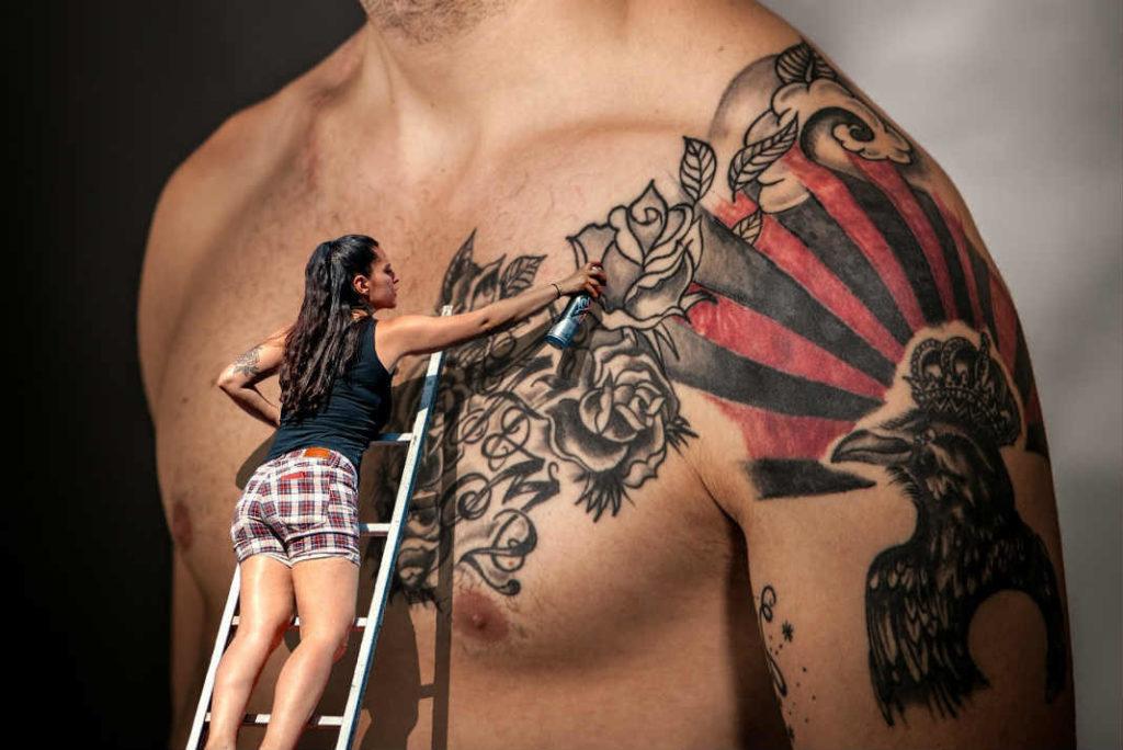 Tattoo - Traducere în română - exemple în germană | Reverso Context