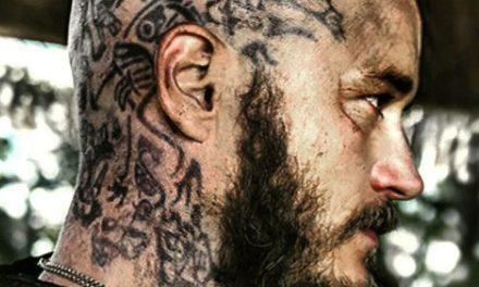 Erau vikingii tatuati?